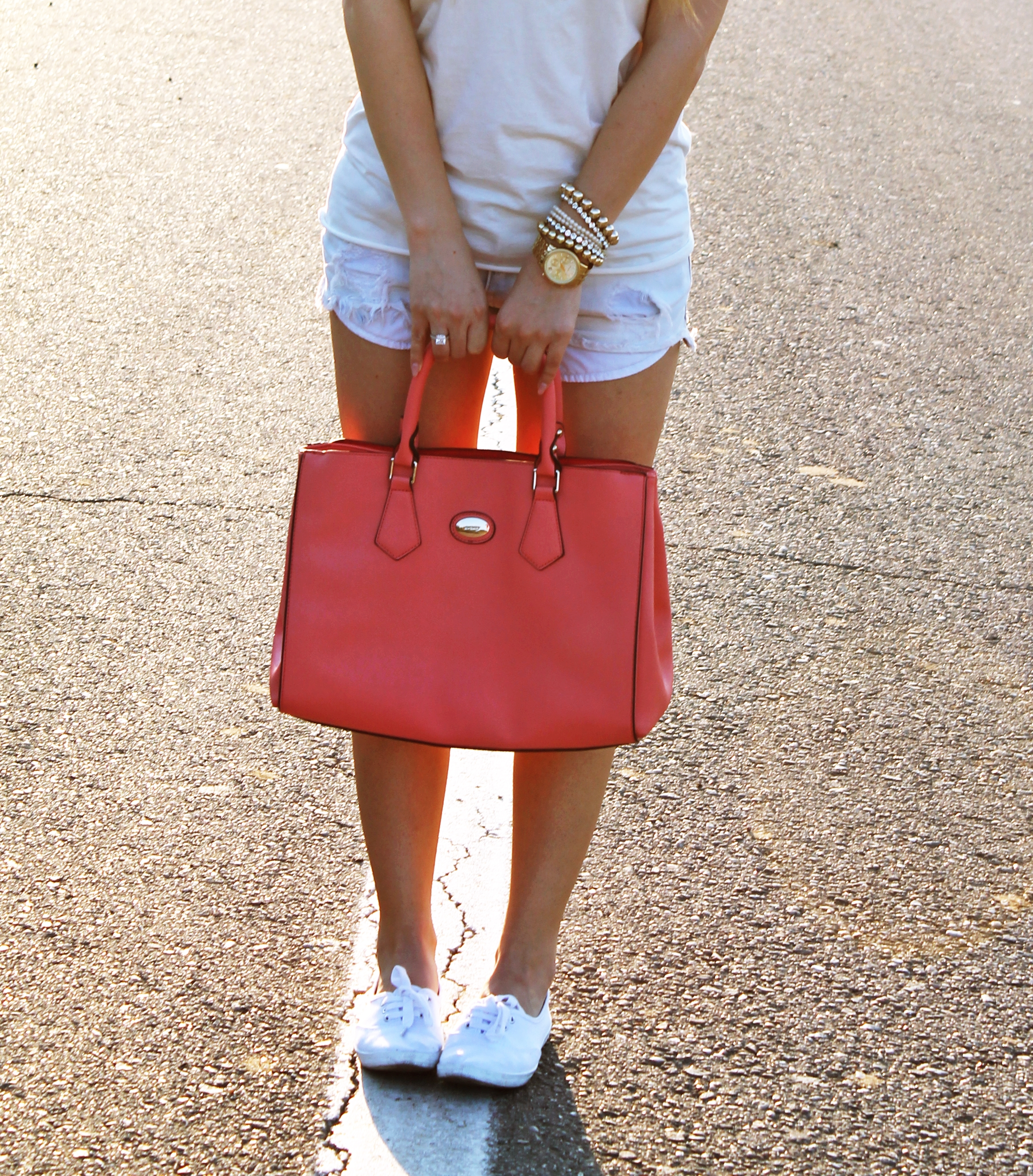 summer, outfit, look, feelings, pink bag, street style, shorts, jeans, white, top, sneakers, andreea design, michael kors, watch, golden, bracelets