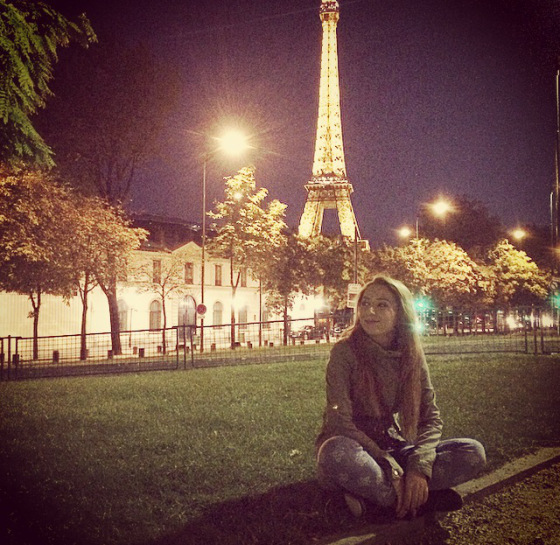 andreea design, follow me to paris, blogger, tour eiffel, night