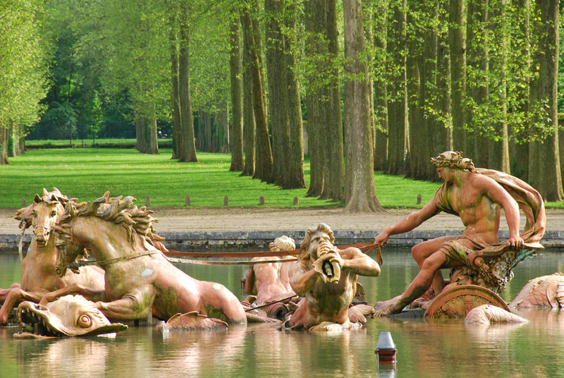 Apollo-Fountain-At-Palace-Of-Versailles-Paris-France