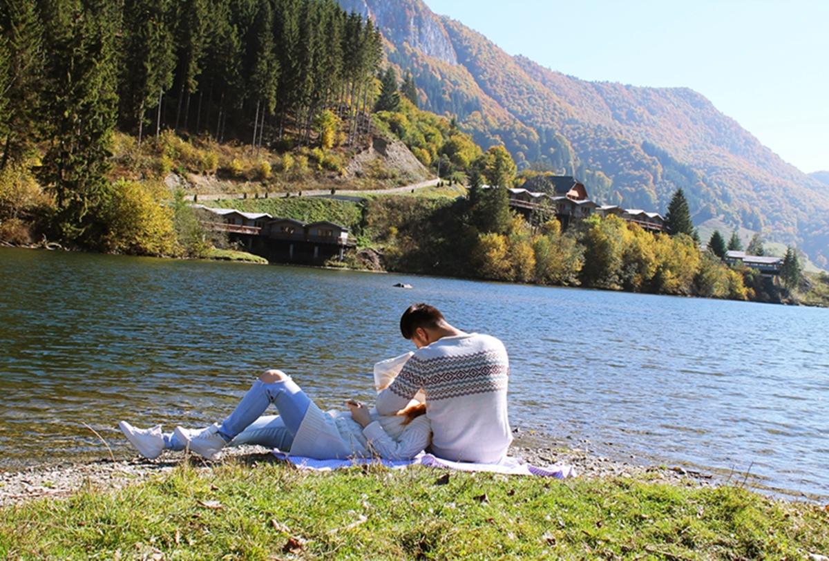 Rucar, Saticul de Jos, poze lac - andreea pantilinescu, adrian ristea, poze cuplu, weekend la munte, fashion, travel