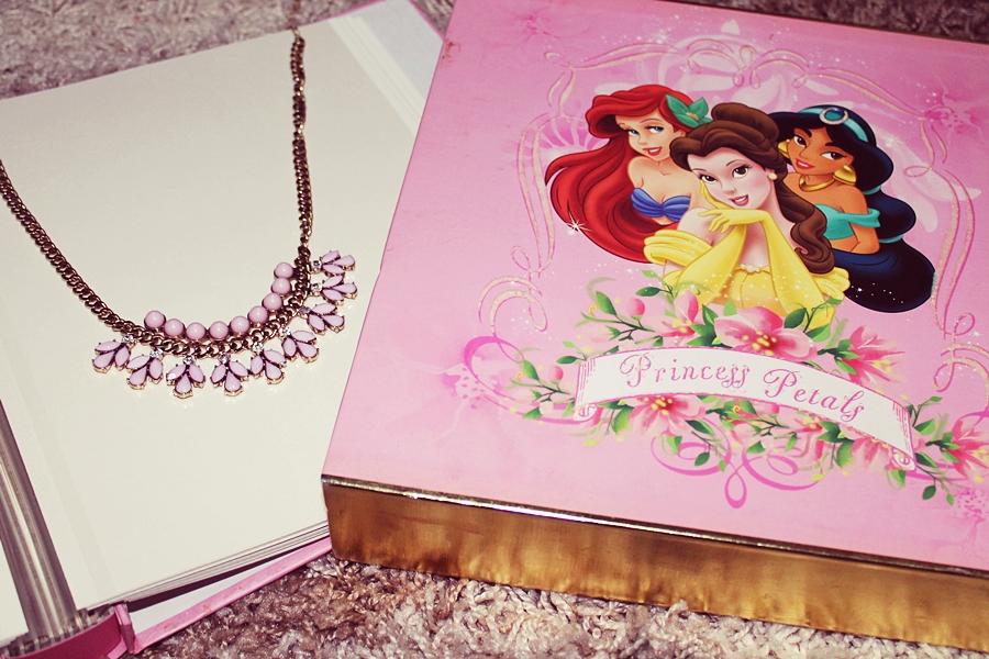Andreea Design, colier roz, album foto printese, personaje disney