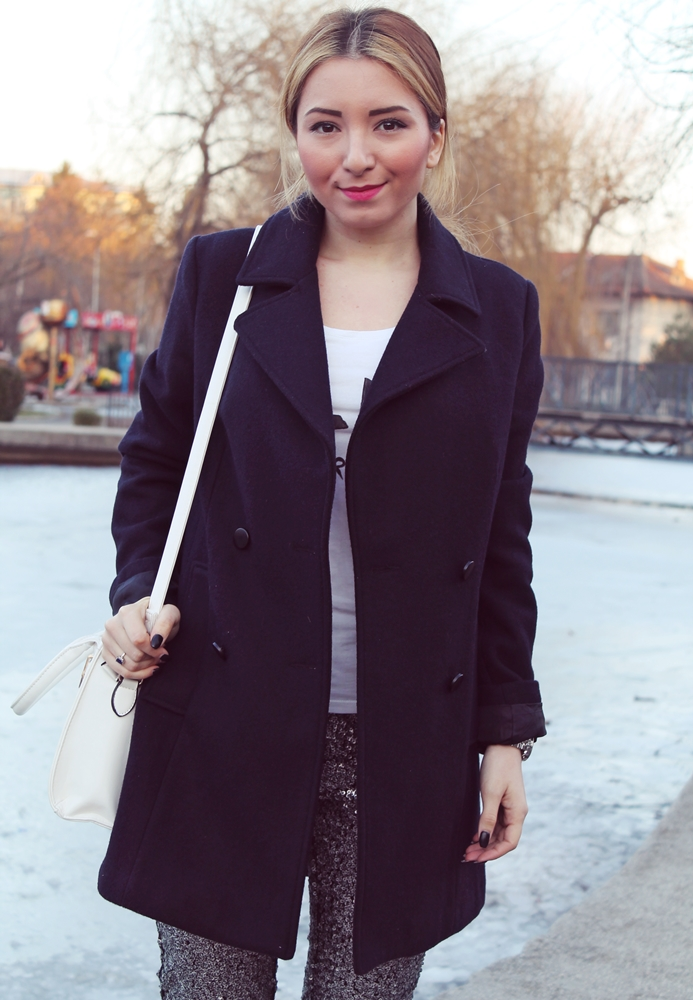 Street style oversized coat black with sequin pants