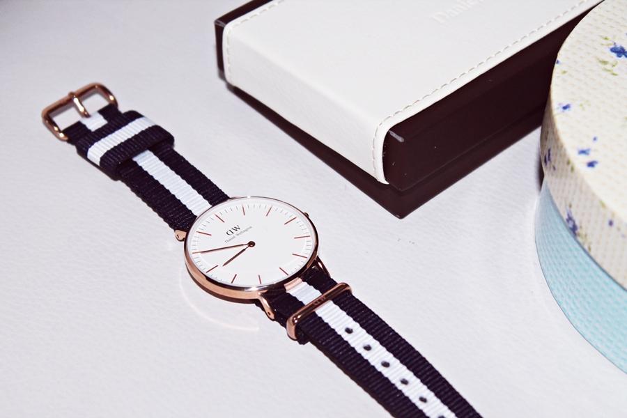ceas cu dungi