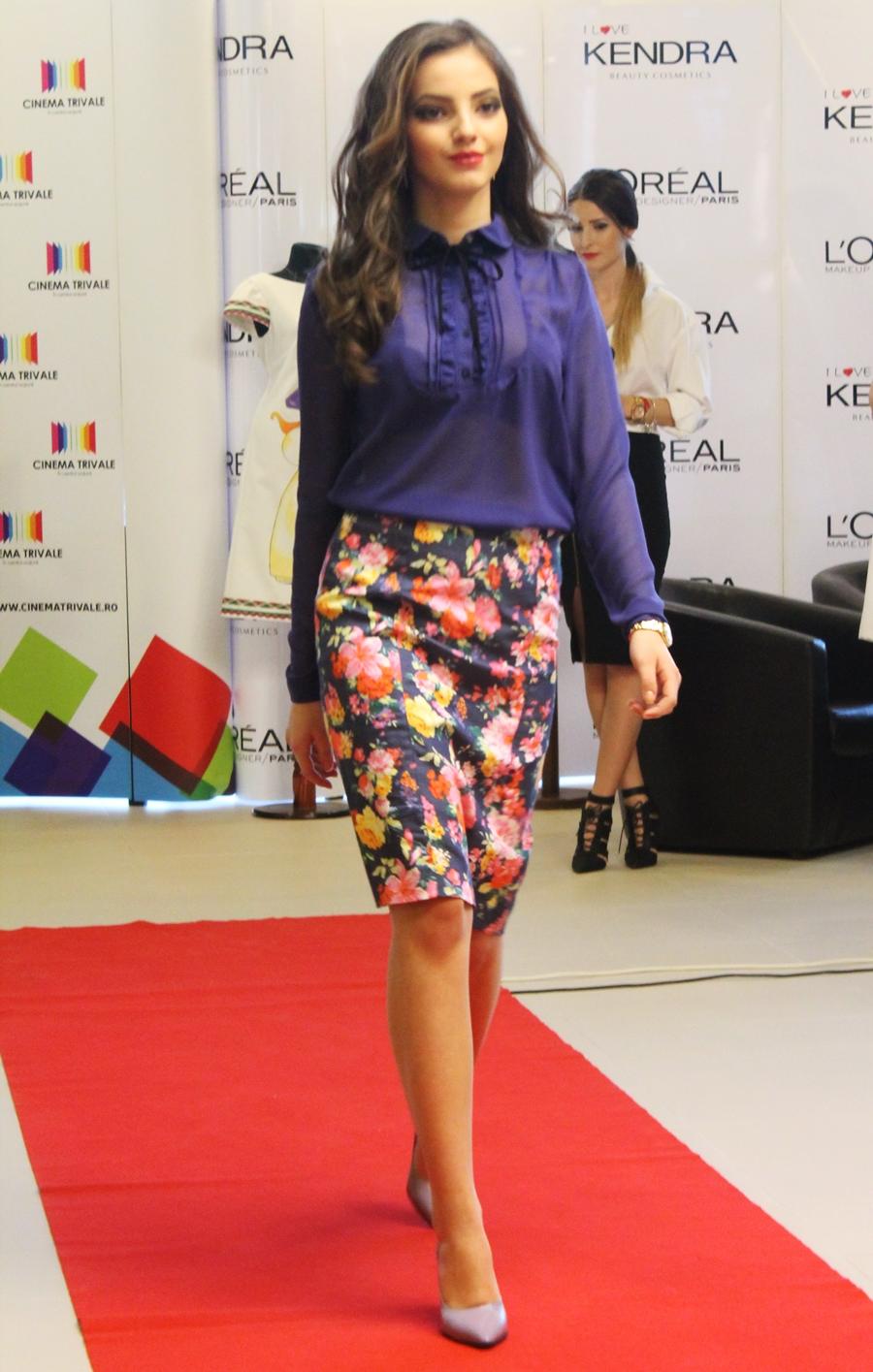 Tinuta primavara, fusta conica imprimeu floral, camasa, prezentare, trivale, cinema, xcentrics, models, valentine's day fashion show
