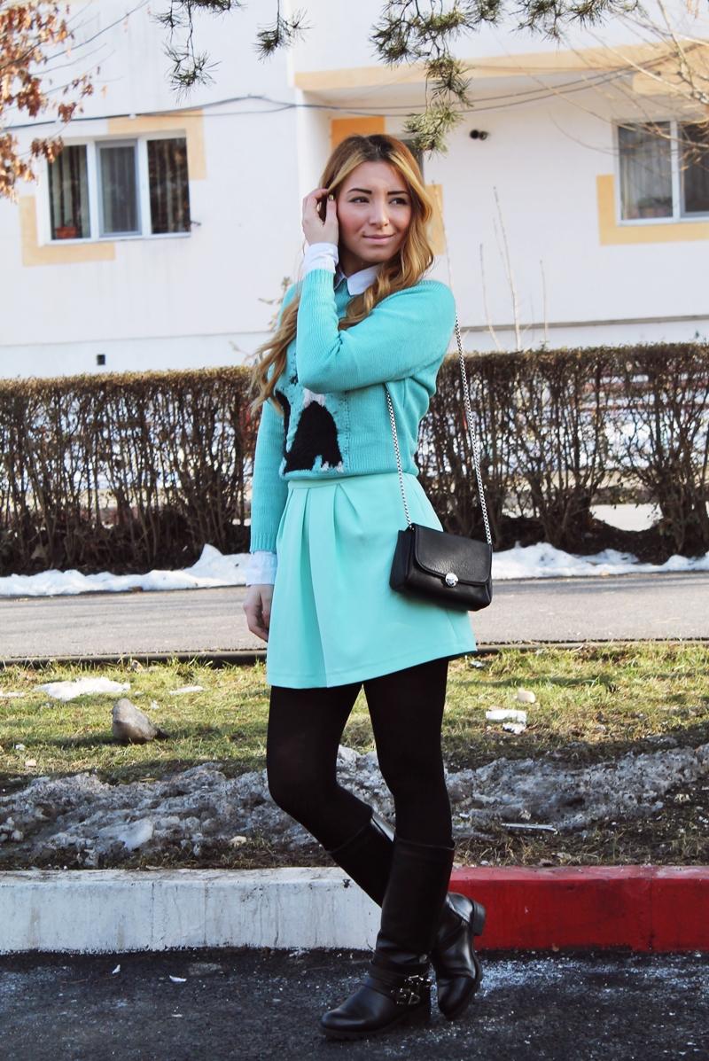 Tinuta cu fusta si pulover, strampi si cizme, tinuta iarna, cum purtam culoarea verde mint, blogger, moda, arges, andreea design, andreea pantilinescu