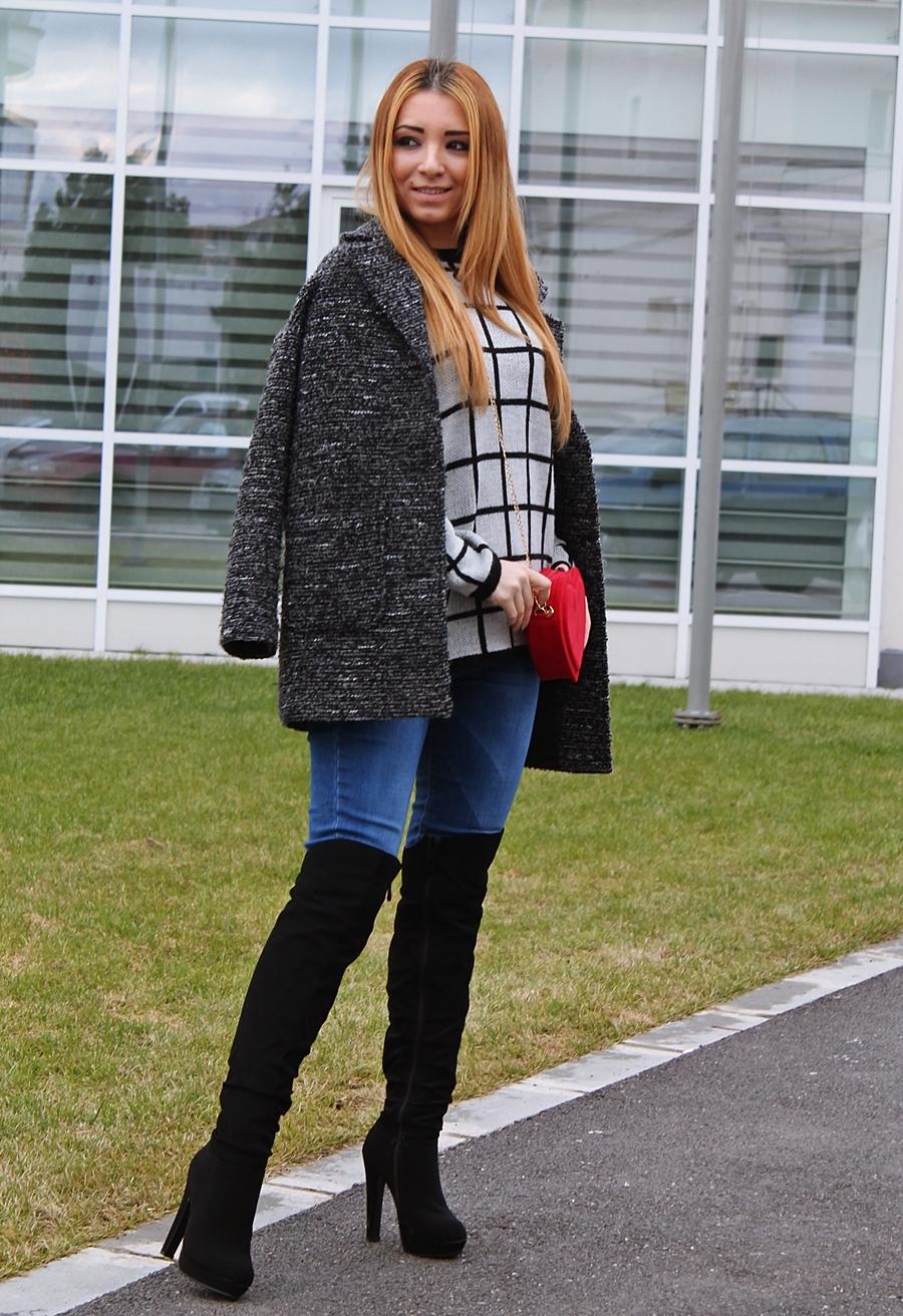 Tinuta cu cizme peste genunchi si blugi - cum purtam. Tendinte in moda, bloggerita Andreea Design