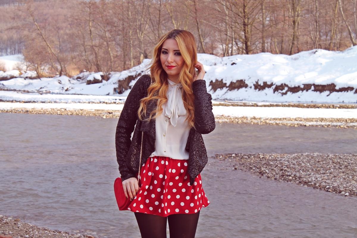 Andreea Design blog, tinuta fusta cu strampi, buline, paiete