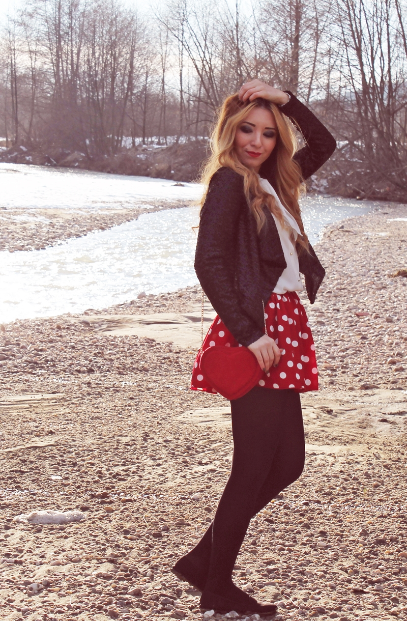 Street Style Valentine's Day Outfit, Red dotted skirt, heart bag, sequins blazer