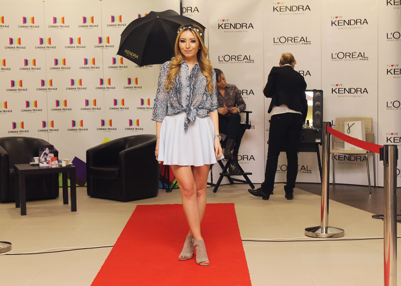 Andreea Design, tinuta cu fusta clos mare, pastelata, azuriu, fuste pe comanda, sandale deichmann, bloggerita, blogger, romania, arges