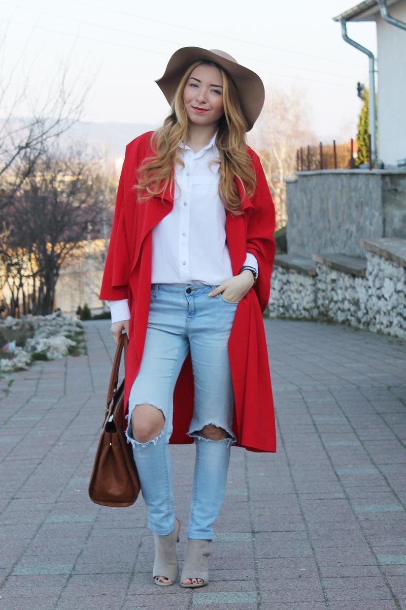 Cum purtam o capa, moda de strada, street style, blogger de moda, romania, arges, combinatie, tinuta cu capa rosie lunga