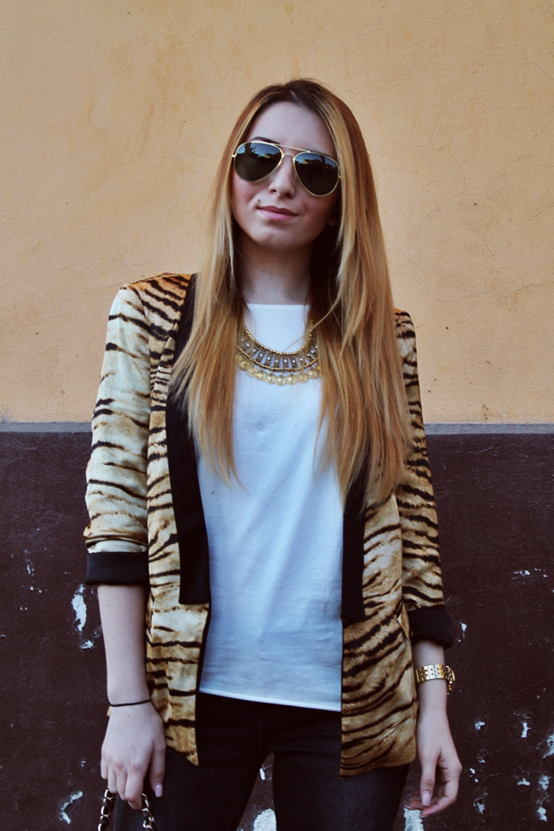 Street style Zara tiger print blazer, jacket ootd fashion blog