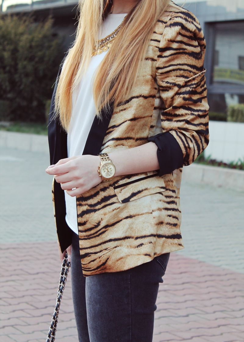 Sacou Zara imprimeu tigru, ceas michael kors auriu