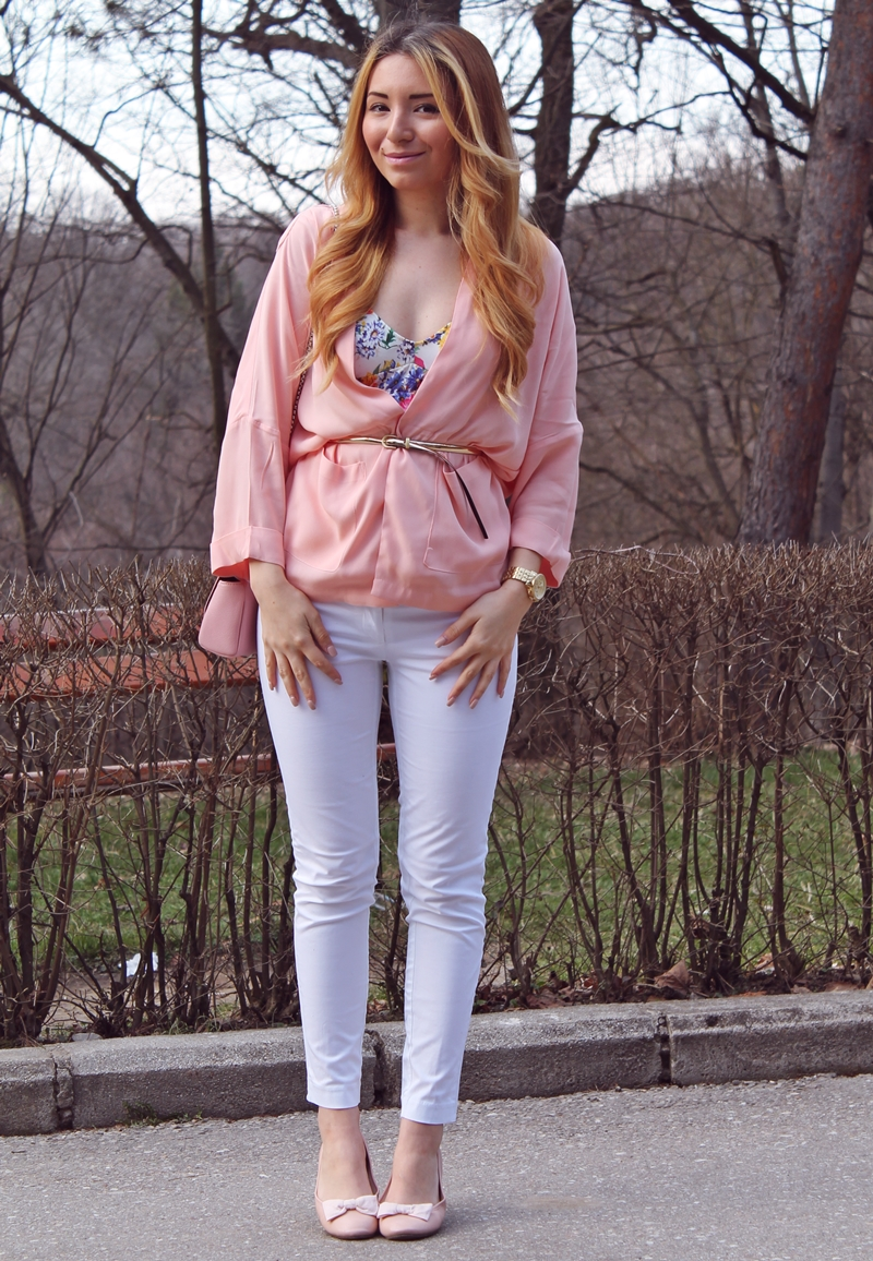Street style peachy blazer, white pants, floral crop top, pink flats, pastels, fashion, outfit of the day, spring look 2015