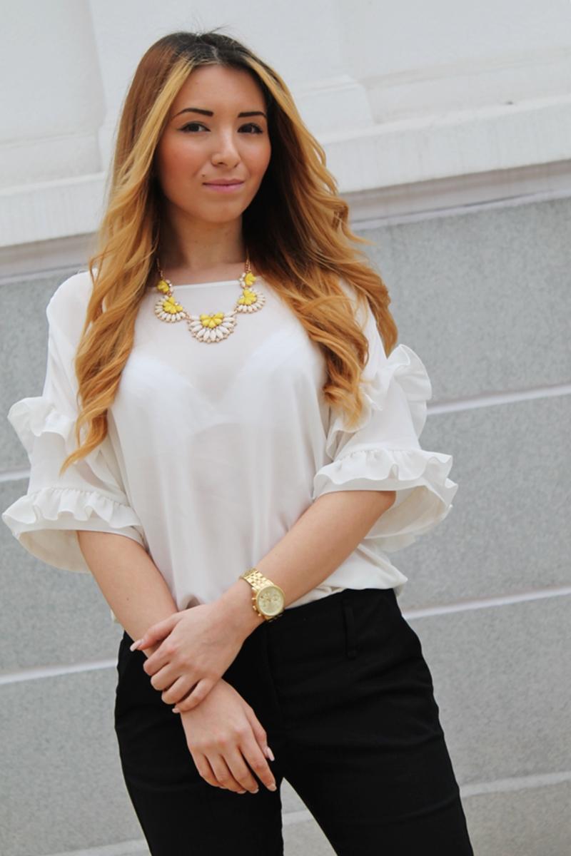 Bluza cu volane la maneci Vero Moda, Colier galben Chic Flavour, blog moda, Andreea Design
