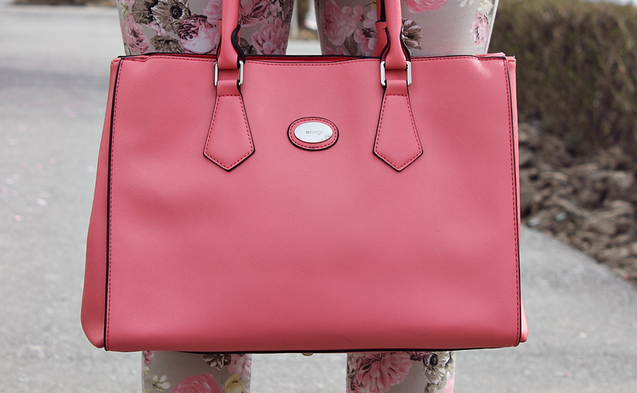 Peachy bag - fashion statement