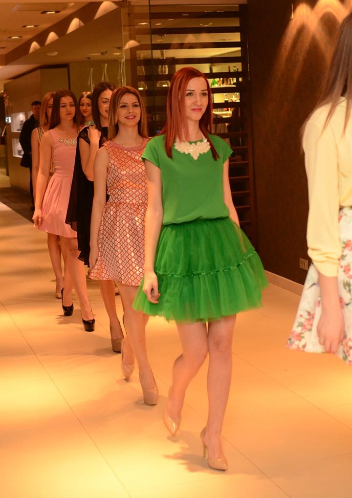sara boutique prezentare moda ramada