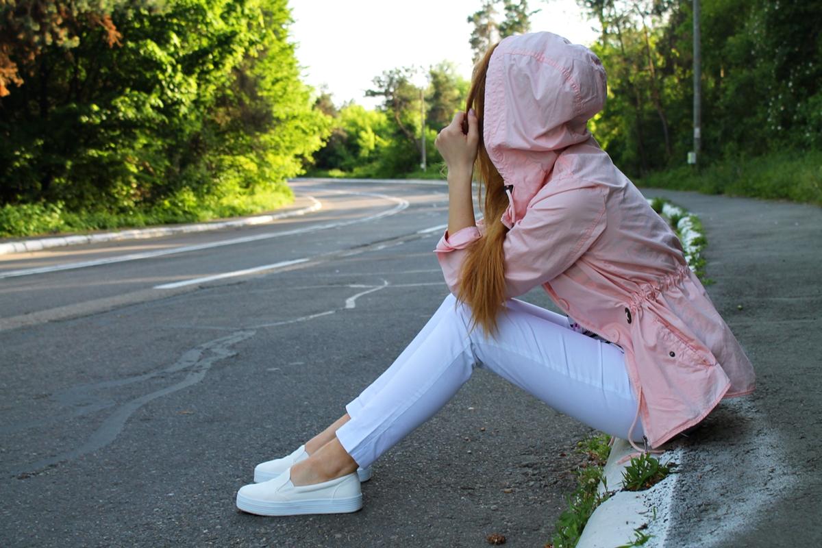 Jacheta sport subtire de vara cu gluga roz