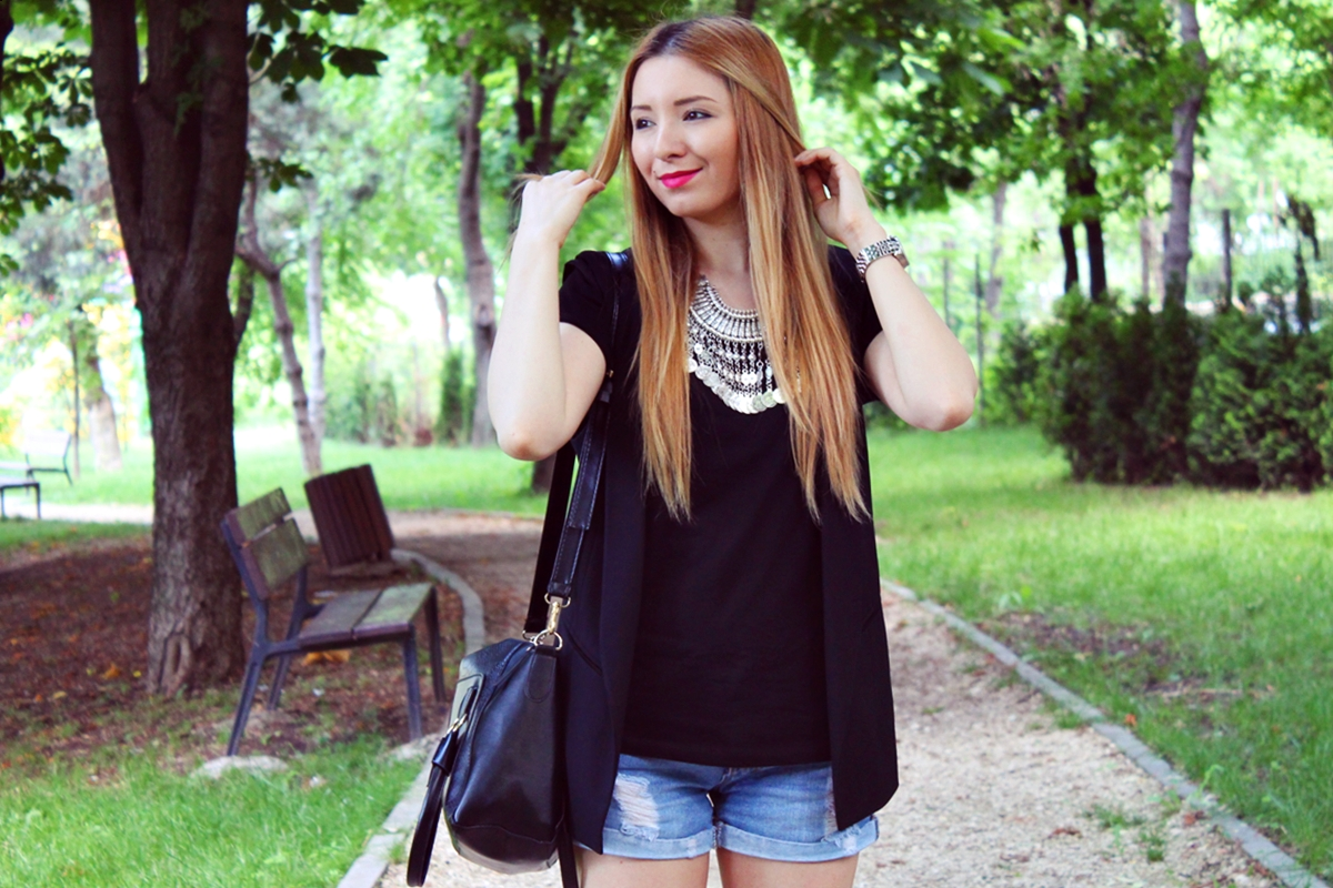 Cum purtam vesta tuxedo? Tendinte in moda 2015 - blogger de moda Andreea Pantilinescu