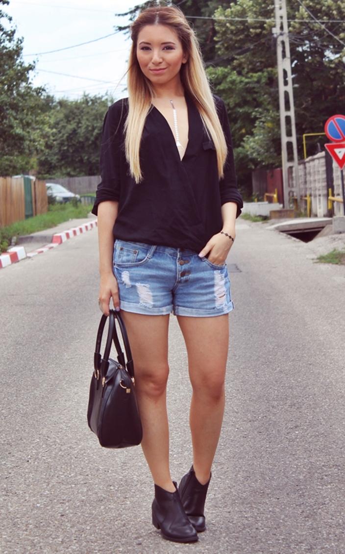 Street style - summer outfit, black zara shirt, short ripped jeans, black boots, black bag, flash tattoos