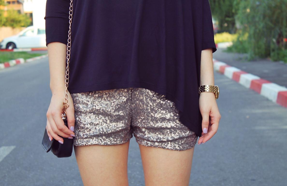 pantaloni scurti din paiete aurii