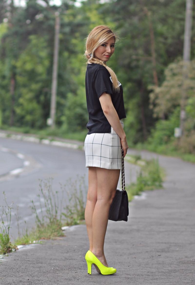 Cum purtam fusta mini? Fashion blogger Andreea Ristea