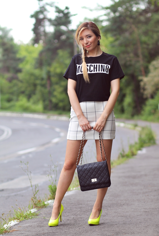 Street style - checkered white mini skirt, moschino black t-shirt, neon yellow shoes. How we wear - summer look