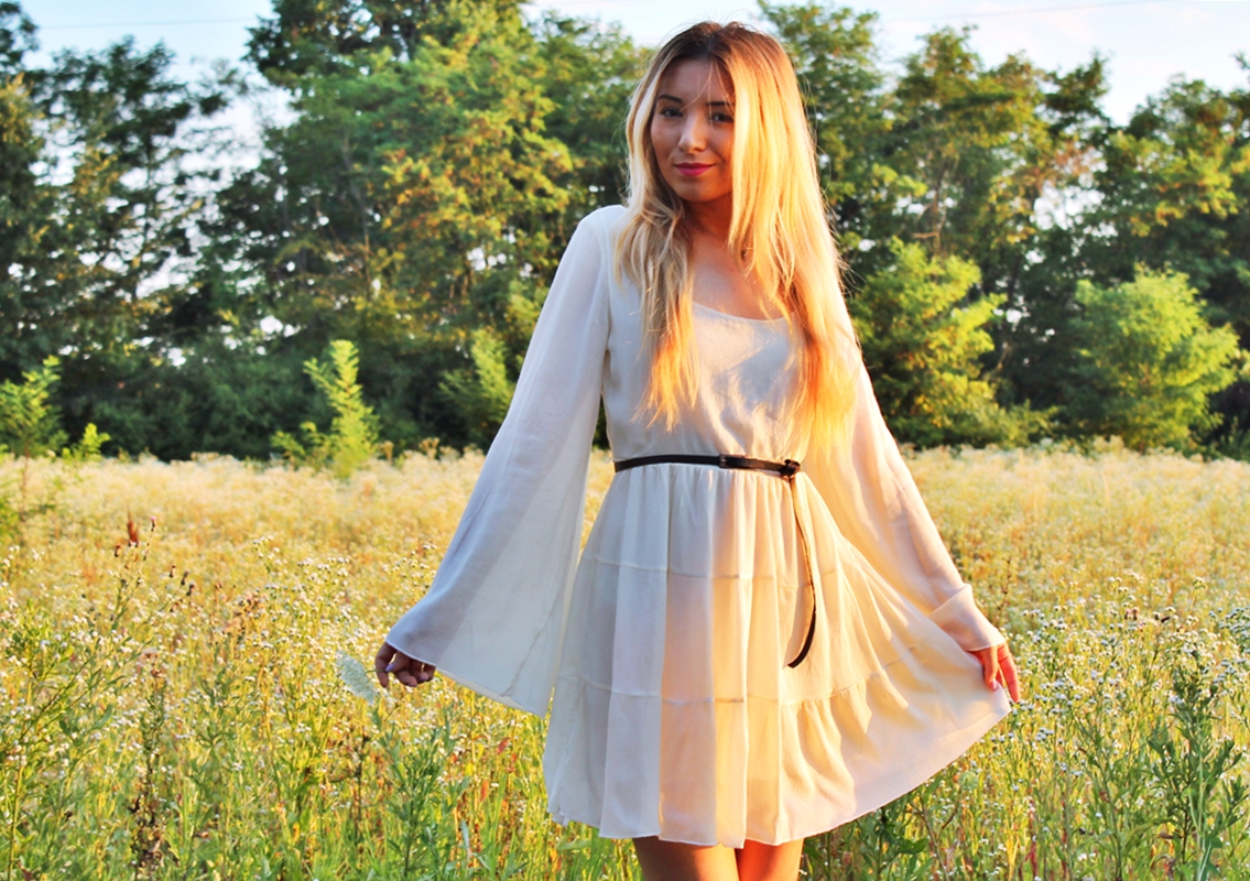 Rochie alba romantica de vara - Fashion blogger Andreea Ristea
