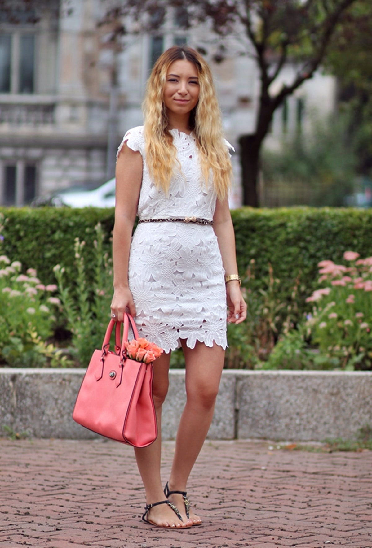 Street style: lace short white dress, coral pink bag, summer look, animal print belt, andreea ristea fashion blogger