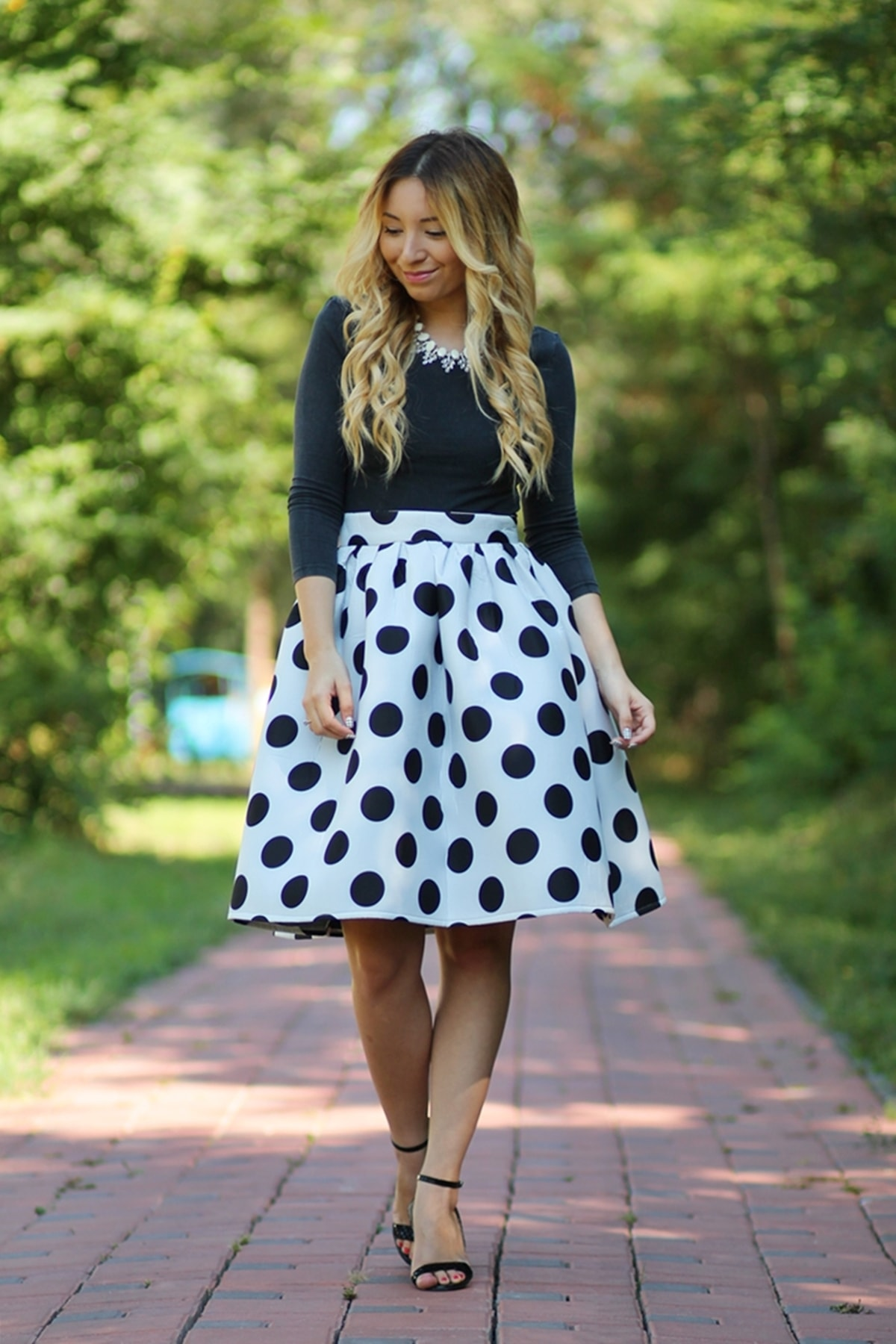 Street style, polka midi skirt, dots, black and white skirt, black crop top, summer look, black sandals, heels, elegant look, 50's look, andreea ristea fashion blogger