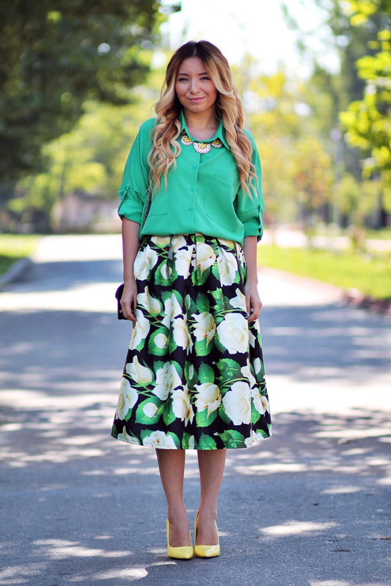 Street style - all green outfit, floral print green skirt, romwe, green shirt, yellow shoes