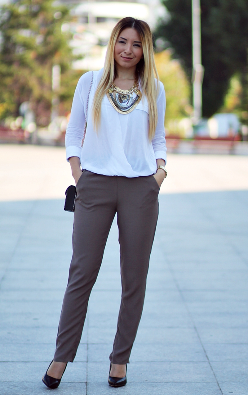 Street style - military pants, asymmetrical white shirt, black shoes - autumn look - fashion blogger