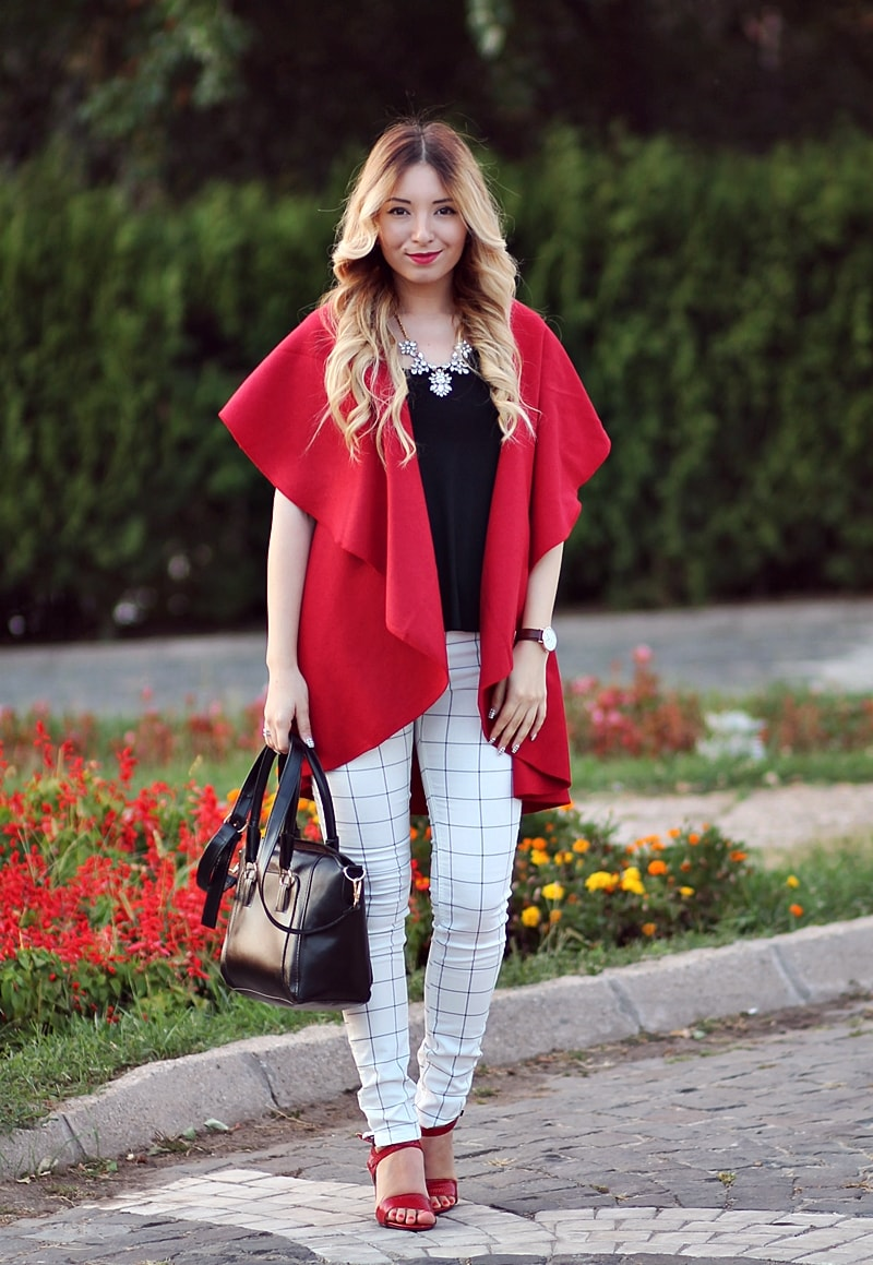 Street style, red oversized vest, white grids pants, black bag, red sandals, andreea ristea