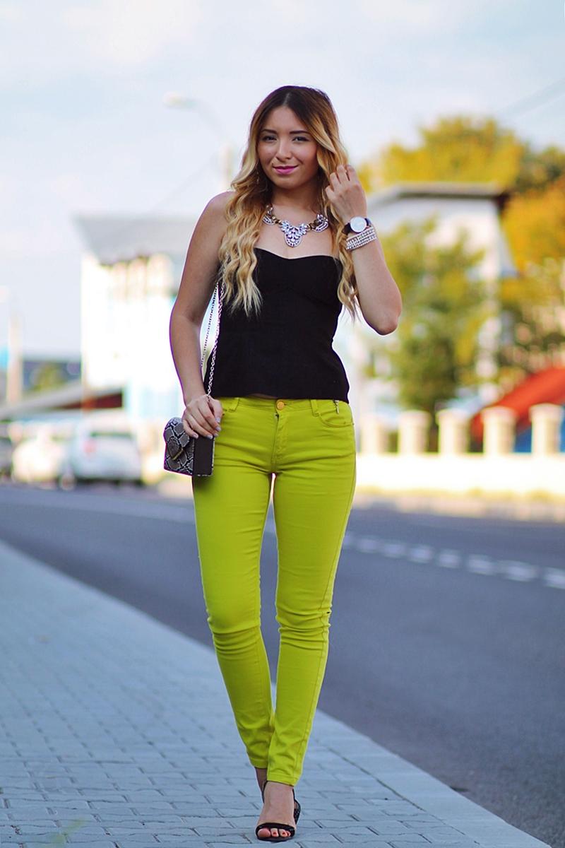 andreea ristea blog - cum purtam culorile neon