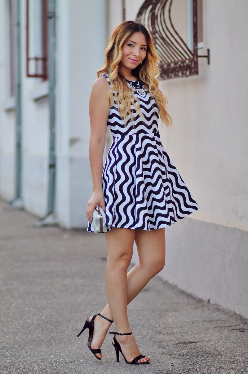 Street style - zig zag dress, black and white grafic print, summer look