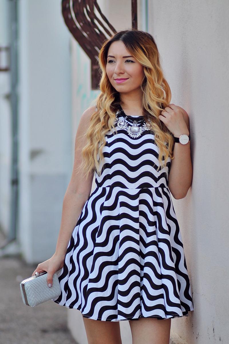 Andreea Ristea blog - rochie alb negru zig zag Romwe