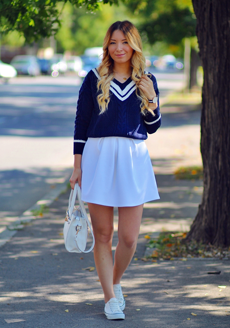 Street style: v neck striped navy sweater, white pleated skirt, autumn look,