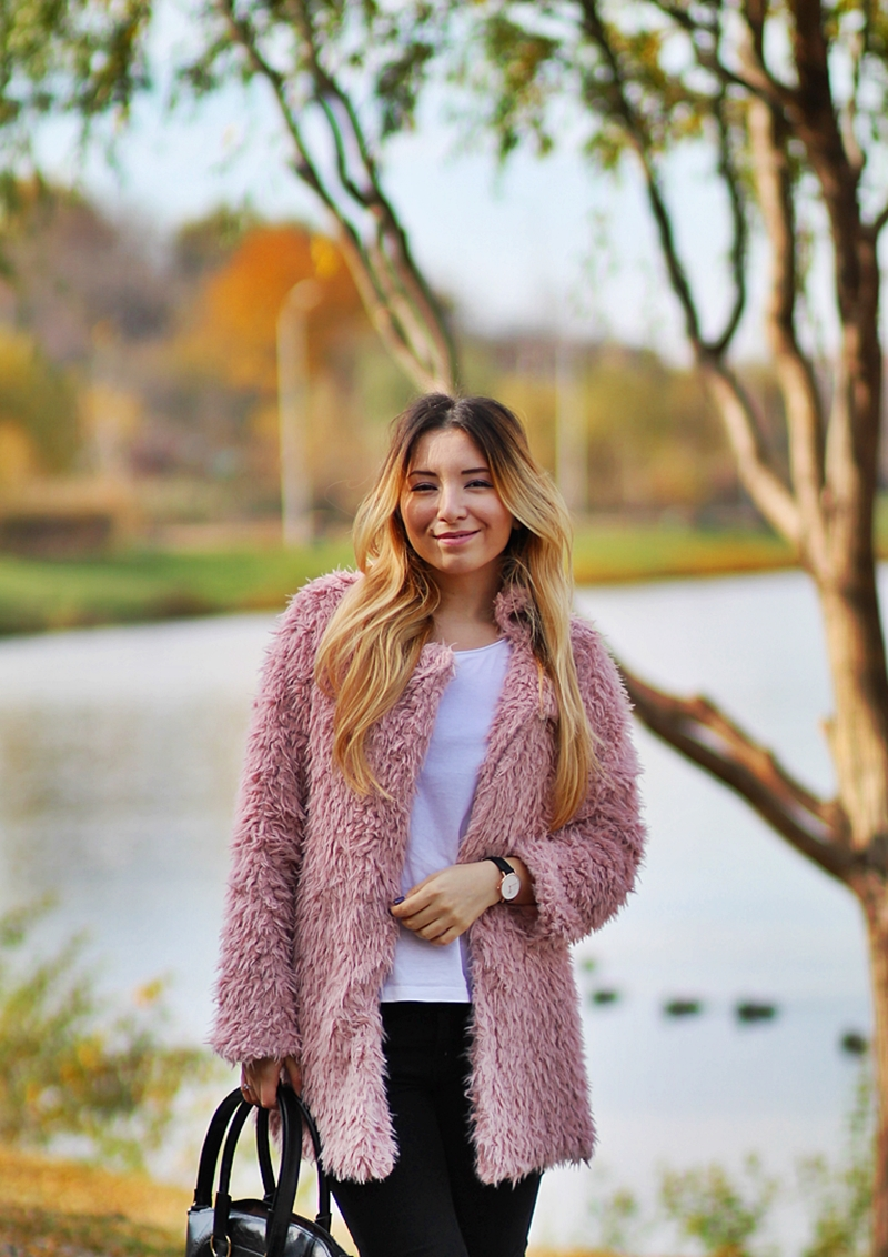 Andreea Ristea - fashion blogger Bucharest