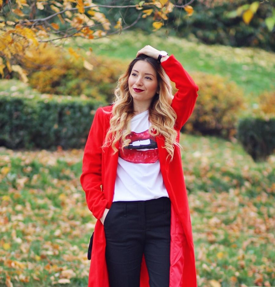 Tricou pictat, model buze rosii DIY Ruxandra Bobleaga