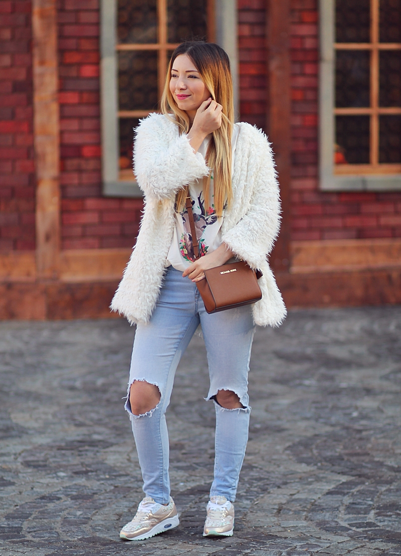 Street style - deer white t-shirt, fluffy white coat,ripped jeans, Michael Kors Bag, mini Selma, brown