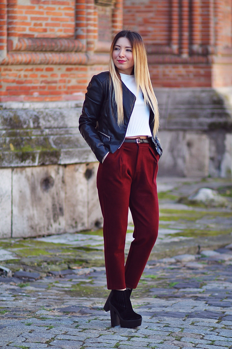 Street style - marsala pants, burgundy pants, high waisted pants, ultra high thick boots, black fake leather jacket - Zara, SheIn - Andreea Ristea Blog