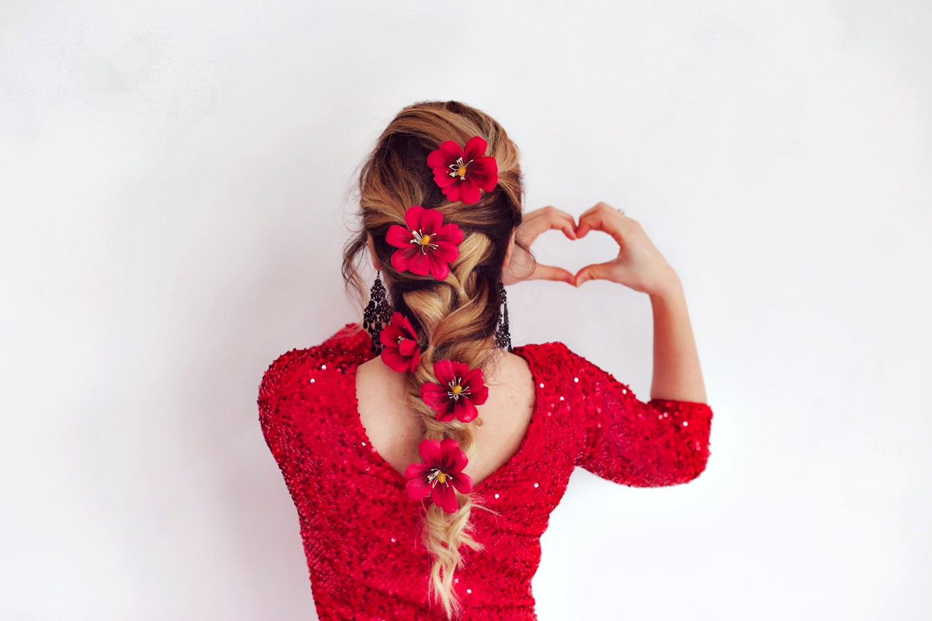 Hair braid with flowers - fashion blogger