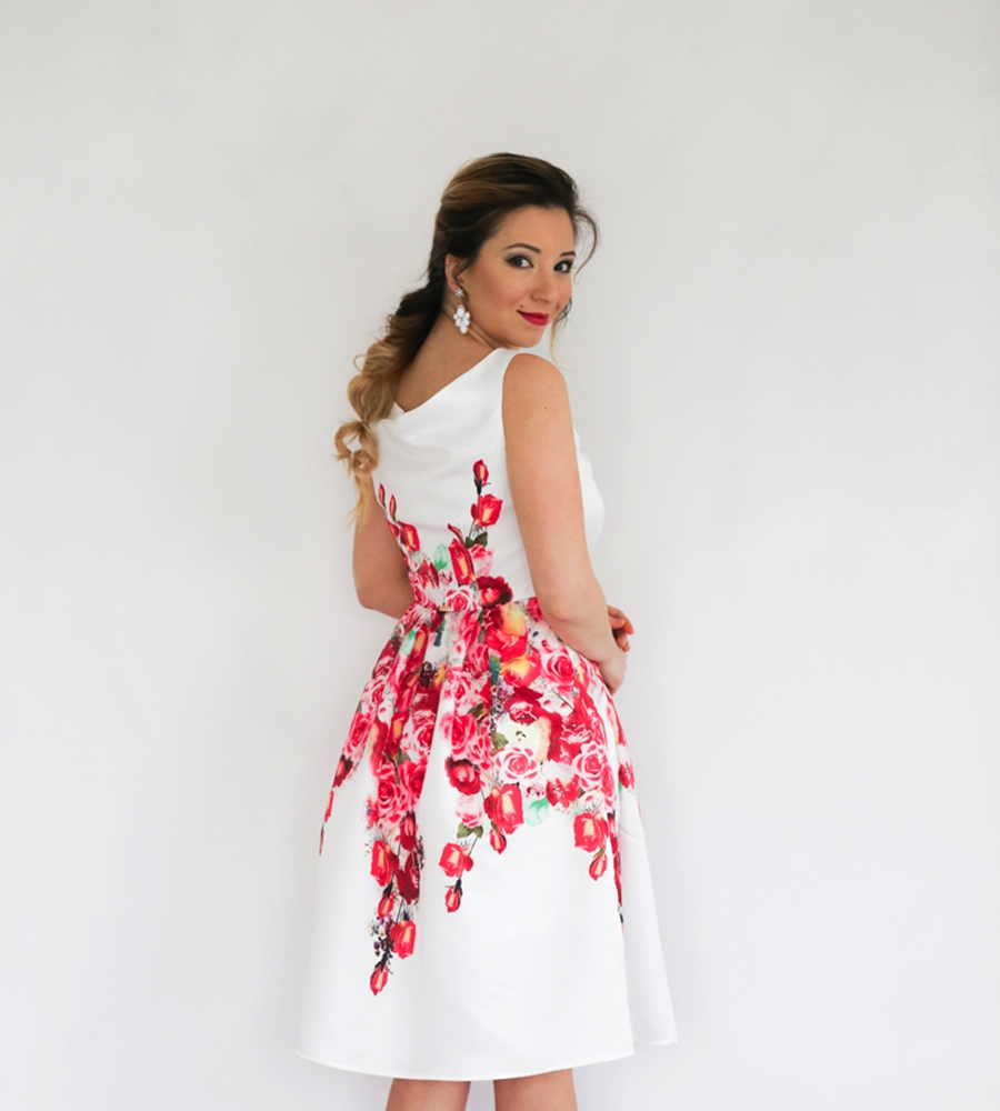 Cum purtam rochia cu imprimeu floral