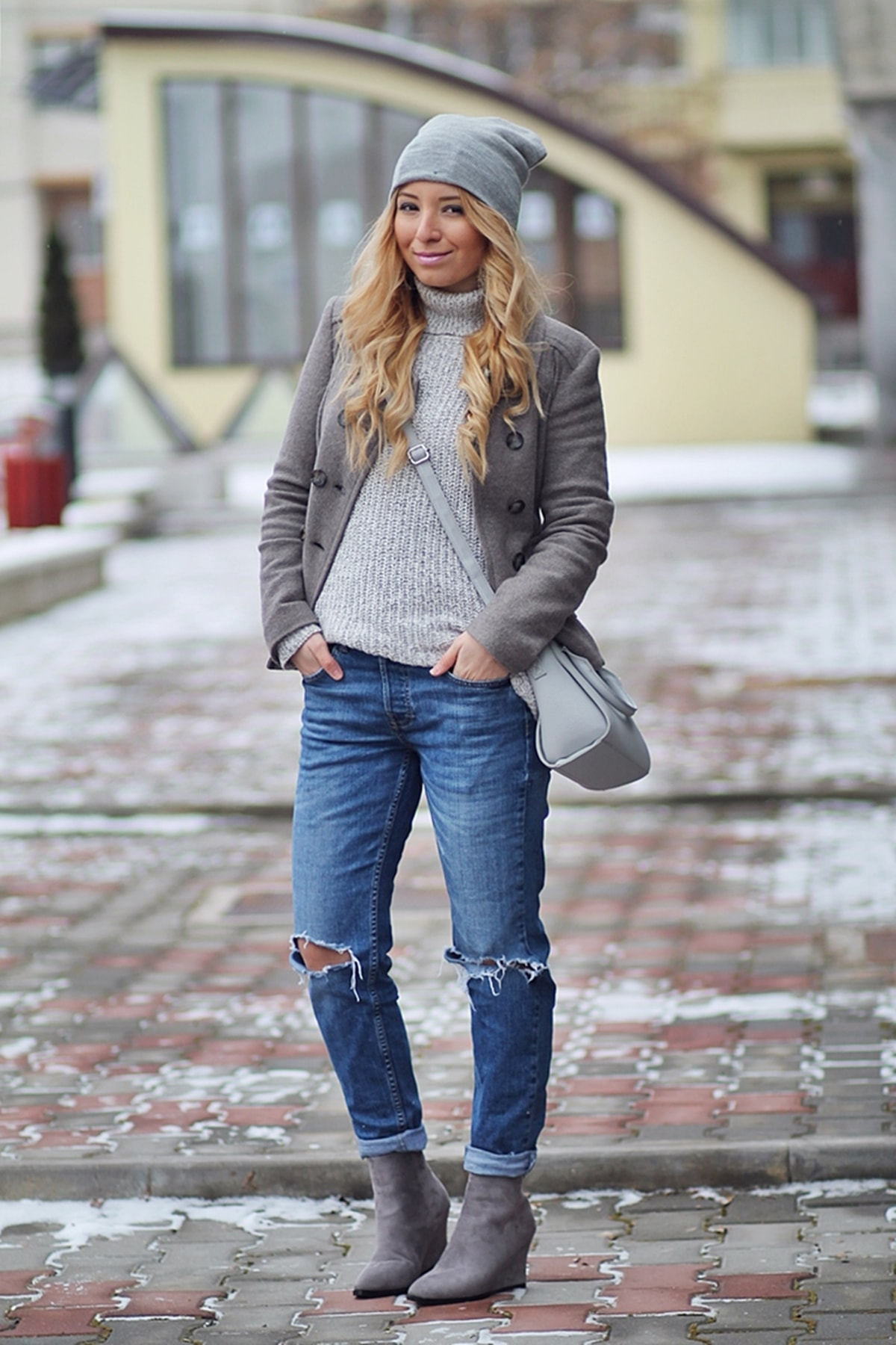 street style, grey outfit, winter look, ripped jeans, grey boots, sweater, beanie, bag, coat, jacket