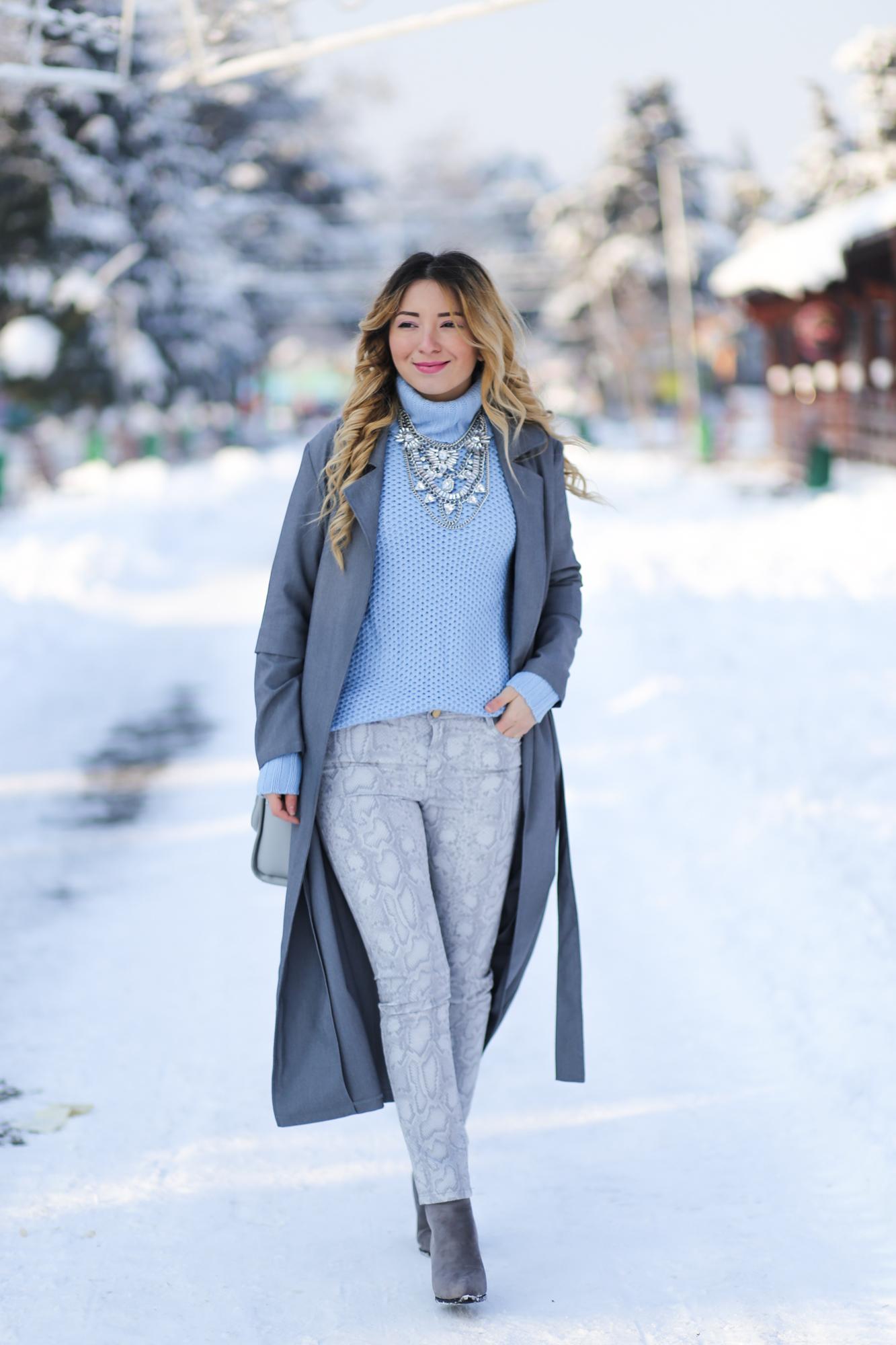 Blogger de moda Andreea Ristea - Cum purtam culoarea anului 2016, Serenity?