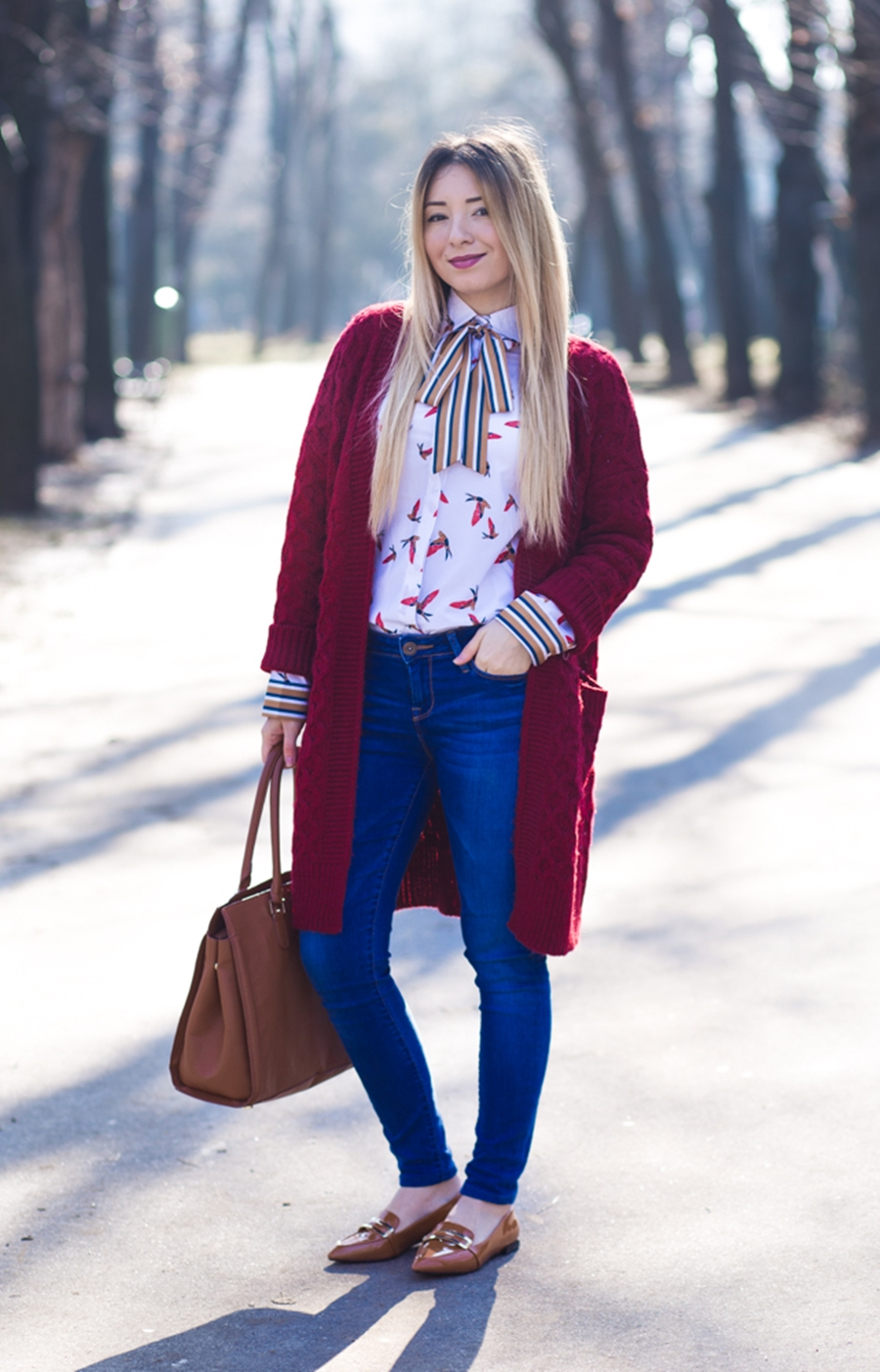 Street style: spring outfit, bird print shirt, red long cardigan, blue skinny jeans, brown flats, brown bag, romwe, h&m, shein, zara
