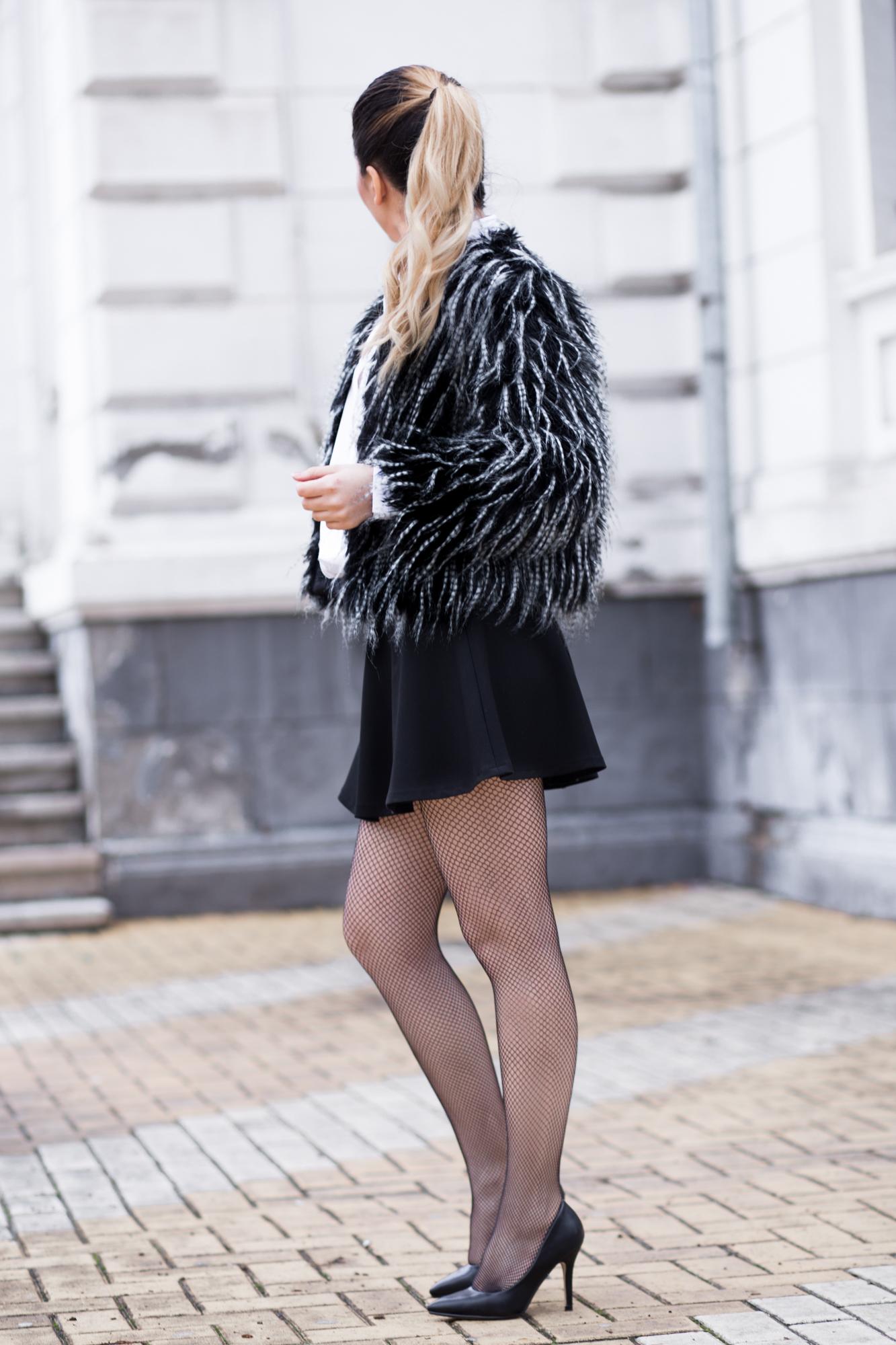 Tinuta alb negru cu fusta Andreea Design semi clos. Cum purtam jacheta de blana artificiala iarna?
