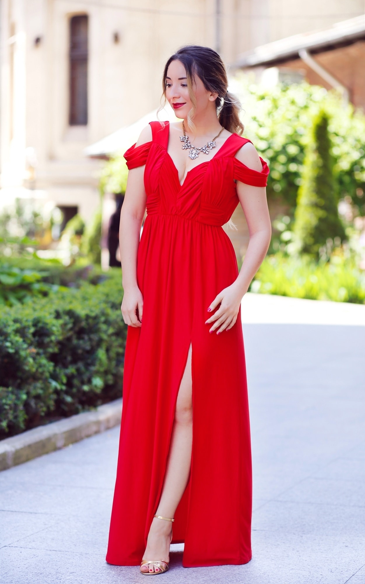 Asos long red dress - fashion blogger andreea ristea