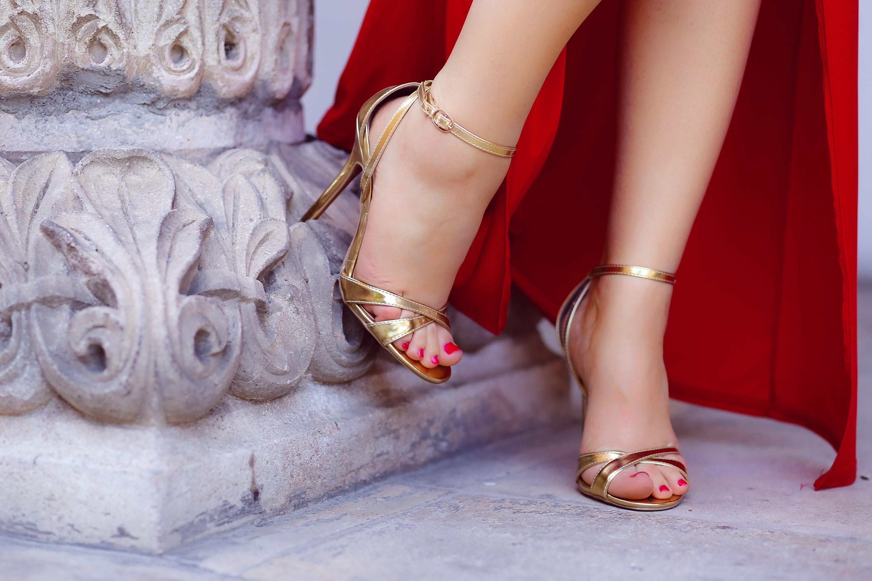 Sandale aurii cu toc clasice
