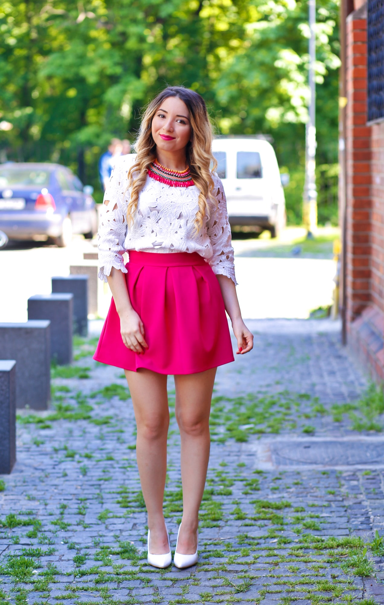 Street style pleated mini pink skirt, white lace blouse, shein, andreea design, white shoes, heels, pink necklace, statement, andreea ristea, blog, fashion, outfit, ootd, bucharest