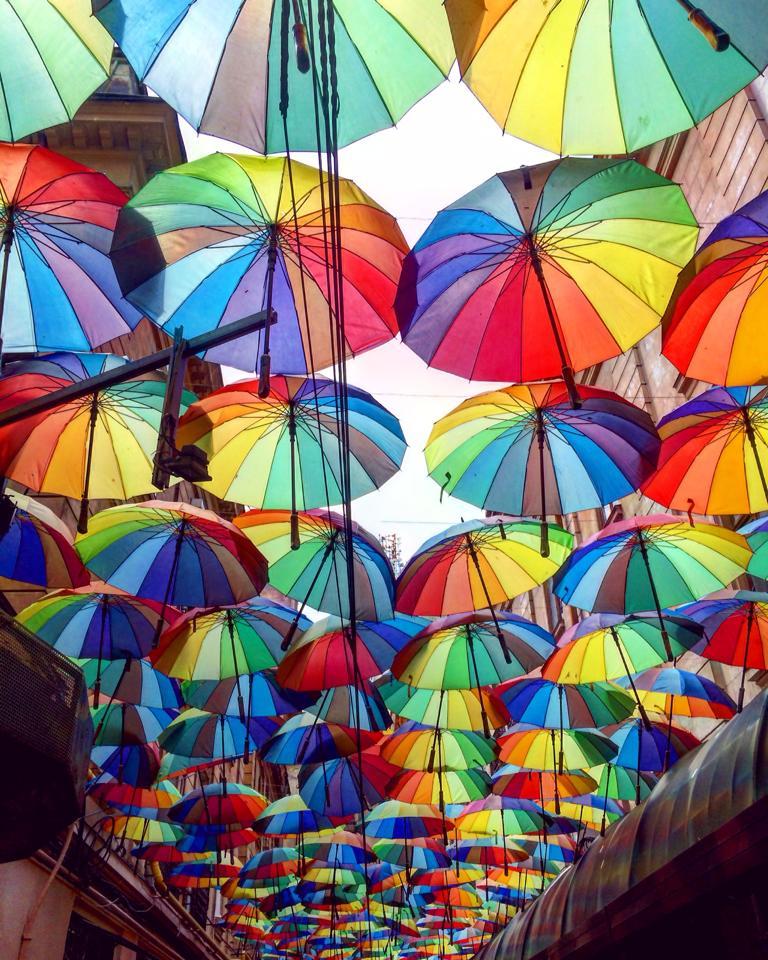 Pasajul Victoria - umbrele colorate